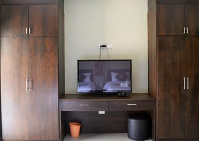 closet-and-tv-accommodation-rawai-muay-thai